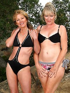 MILF Bikini Pics
